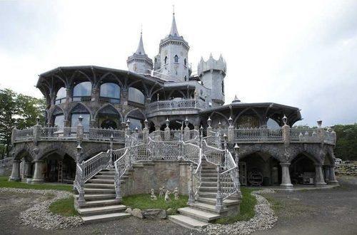 Casas de ensueño: el castillo de la bruja mala de los cuentos de hadas y princesas