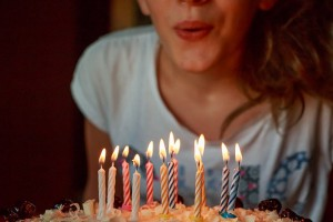 ¿Desde cuándo y por qué celebramos los cumpleaños?