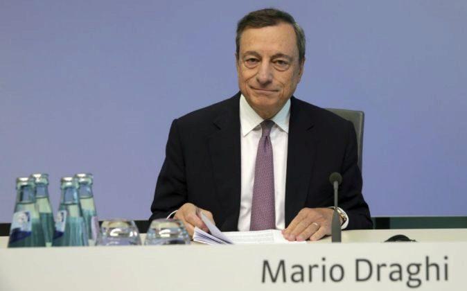 El BCE arrancará 2018 con los tipos en mínimos históricos