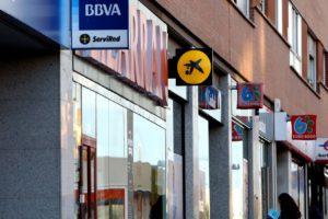 Los bancos abren el grifo del crédito ante el auge del mercado de la vivienda y la competencia