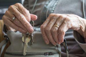 ¿Vender tu casa y seguir viviendo en ella?: Ya es posible con la nuda propiedad