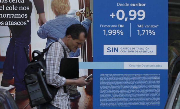 El Gobierno aplaza el sistema informático para firmar hipotecas
